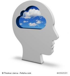 Kopf mit Wolken